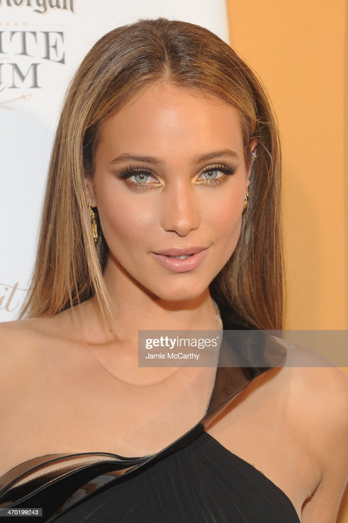 Model <a gi-track='captionPersonalityLinkClicked' href=/galleries/search?phrase=Hannah+Davis+-+Model&family=editorial&specificpeople=11162105 ng-click='$event.stopPropagation()'>Hannah Davis</a> attends the Sports Illustrated Swimsuit 50 Years of Swim in NYC Celebration at the Sports Illustrated Swimsuit Beach House on February 18, 2014 in New York City.