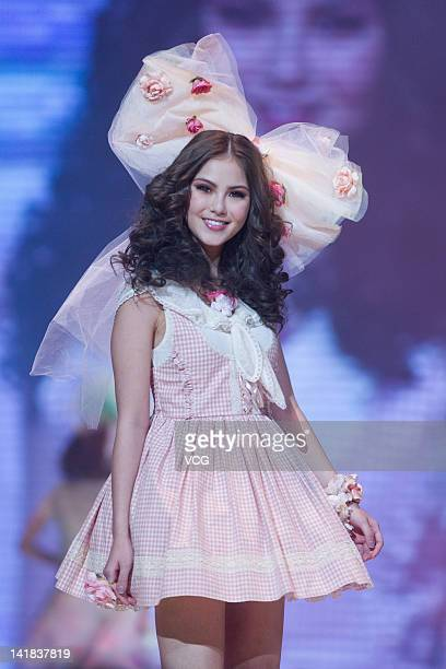 Model Hannah Quinlivan walks the runway during the Tokyo Girls Collection at MercedesBenz Arena on March 24 2012 in Shanghai China