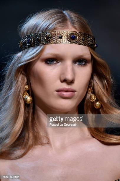 A model headband detail walks the runway during the Elie Saab Haute Couture Fall/Winter 20172018 show as part of Haute Couture Paris Fashion Week on...