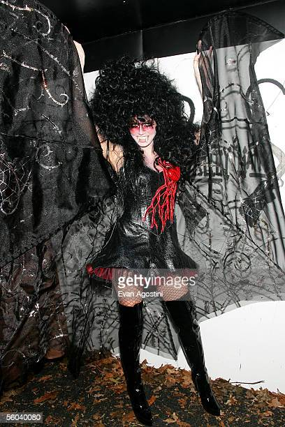 Model Heidi Klum arrives at her annual Halloween party at Happy Valley October 31 2005 in New York City
