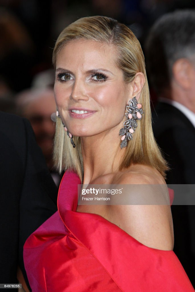 Model <a gi-track='captionPersonalityLinkClicked' href=/galleries/search?phrase=Heidi+Klum&family=editorial&specificpeople=178954 ng-click='$event.stopPropagation()'>Heidi Klum</a> arrives at the 81st Annual Academy Awards held at Kodak Theatre on February 22, 2009 in Los Angeles, California.