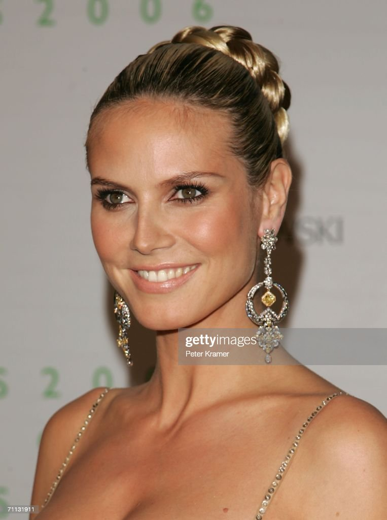 Model Heidi Klum attends the 2006 CFDA Awards at the New York Public Library on June 5, 2006 in New York City.