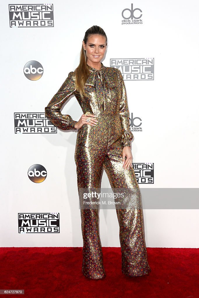 model-heidi-klum-attends-the-2016-american-music-awards-at-microsoft-picture-id624727970