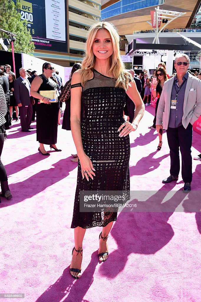 model-heidi-klum-attends-the-2016-billboard-music-awards-at-tmobile-picture-id533546900