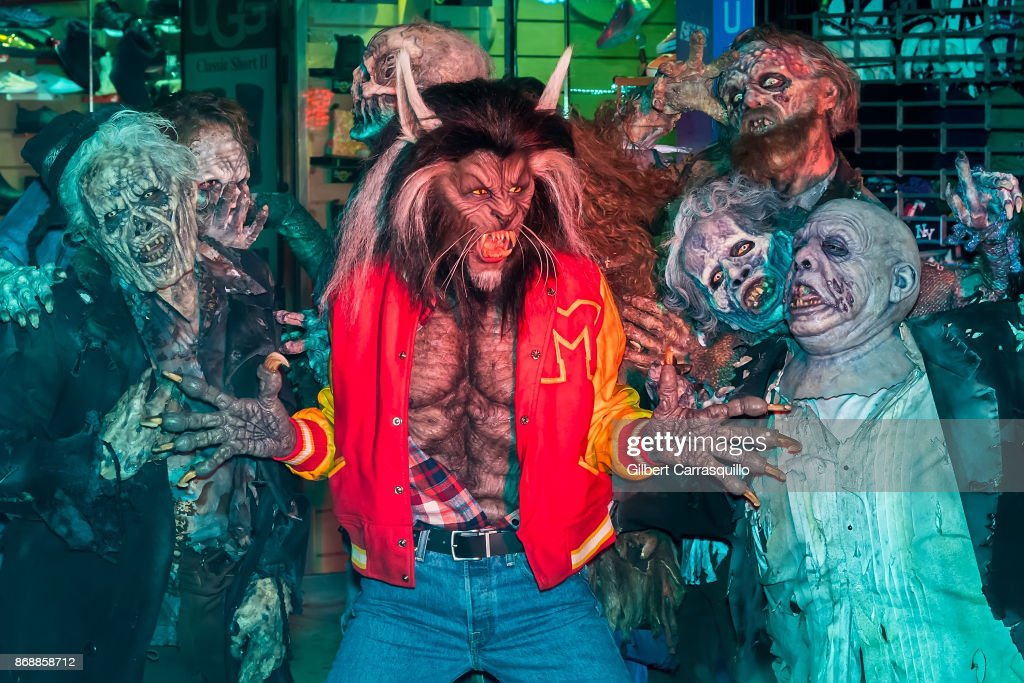 Queen of Halloween Heidi Klum's costume proved to be a 'Thriller' as she paid homage to Michael Jackson at her 18th Annual Halloween Party on Tuesday.