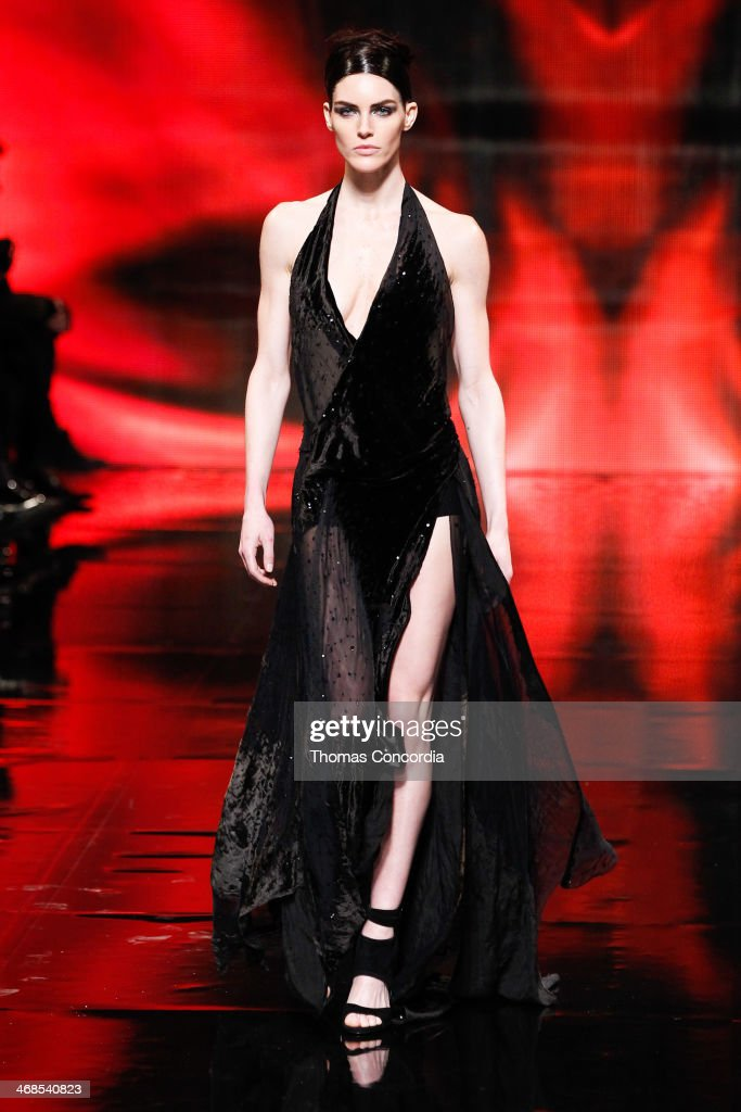 Model <a gi-track='captionPersonalityLinkClicked' href=/galleries/search?phrase=Hilary+Rhoda&family=editorial&specificpeople=637945 ng-click='$event.stopPropagation()'>Hilary Rhoda</a> walks the runway at Donna Karan New York 30th Anniversary during Mercedes-Benz Fashion Week Fall 2014 at 23 Wall Street on February 10, 2014 in New York City.