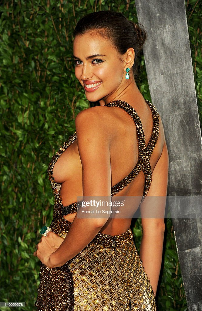 Model Irina Shayk arrives at the 2012 Vanity Fair Oscar Party hosted by Graydon Carter at Sunset Tower on February 26, 2012 in West Hollywood, California.