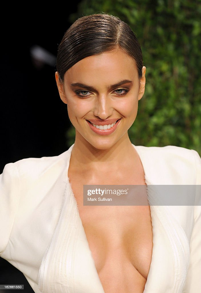 Model Irina Shayk arrives at the 2013 Vanity Fair Oscar Party at Sunset Tower on February 24, 2013 in West Hollywood, California.