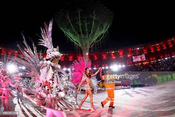 Model Izabel Goulart and Renato Sorriso lead dancers on stage during the Closing Ceremony on Day 16 of the Rio 2016 Olympic Games at Maracana Stadium...