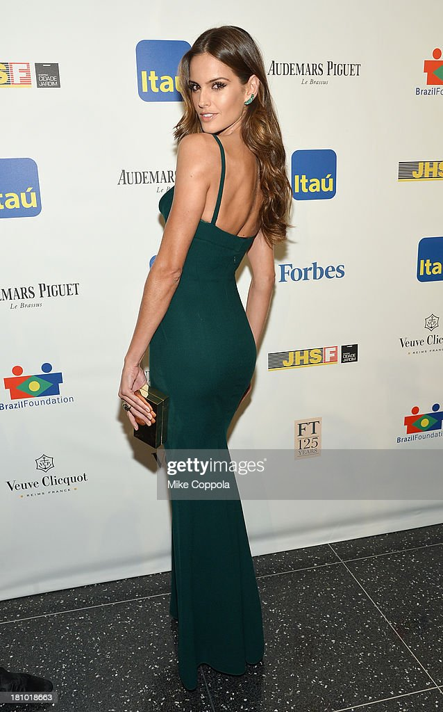 Model <a gi-track='captionPersonalityLinkClicked' href=/galleries/search?phrase=Izabel+Goulart&family=editorial&specificpeople=566749 ng-click='$event.stopPropagation()'>Izabel Goulart</a> attends the 11th BrazilFoundation NYC Gala at MOMA on September 18, 2013 in New York City.