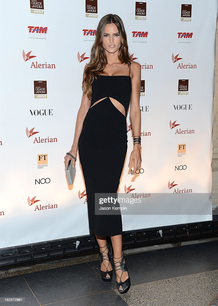 Model Izabel Goulart attends the Annual Brazil Foundation Gala Party at the American Museum of Natural History on September 19, 2012 in New York City.