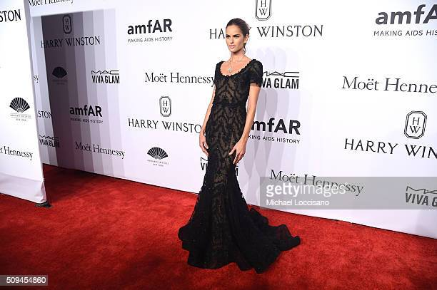 Model Izabel Goulart ttends the 2016 amfAR New York Gala at Cipriani Wall Street on February 10 2016 in New York City
