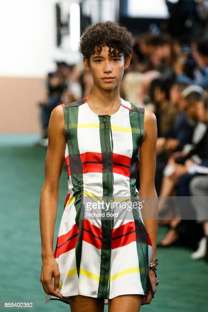Model Janiece Altagracia Dilone walks the runway during the Carven show as part of Paris Fashion Week Womenswear Spring/Summer 2018 on September 28...