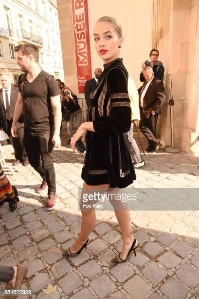 Model Jasmine Sanders attends the Christian Dior show as part of the Paris Fashion Week Womenswear Spring/Summer 2018 on September 26 2017 in Paris...
