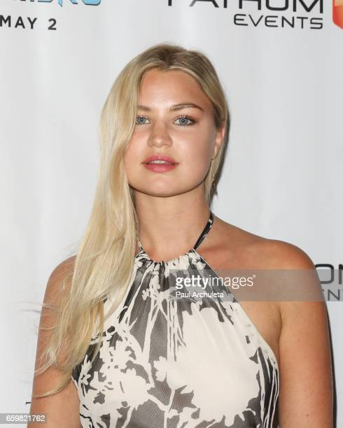 Model Jennifer Akerman attends the premiere for 'MindGamers One Thousand Minds Connected Live' at Regal LA Live Stadium 14 on March 28 2017 in Los...
