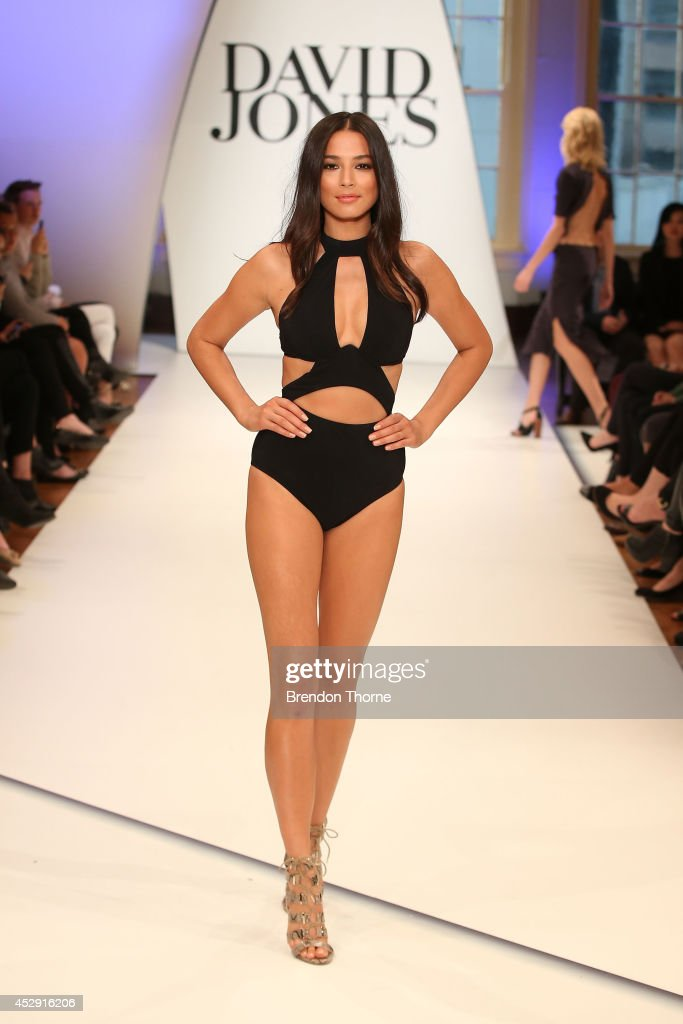 Model <a gi-track='captionPersonalityLinkClicked' href=/galleries/search?phrase=Jessica+Gomes&family=editorial&specificpeople=4319063 ng-click='$event.stopPropagation()'>Jessica Gomes</a> showcases designs by Jets during a rehearsal ahead of the David Jones Spring/Summer 2014 Collection Launch at David Jones Elizabeth Street Store on July 30, 2014 in Sydney, Australia.