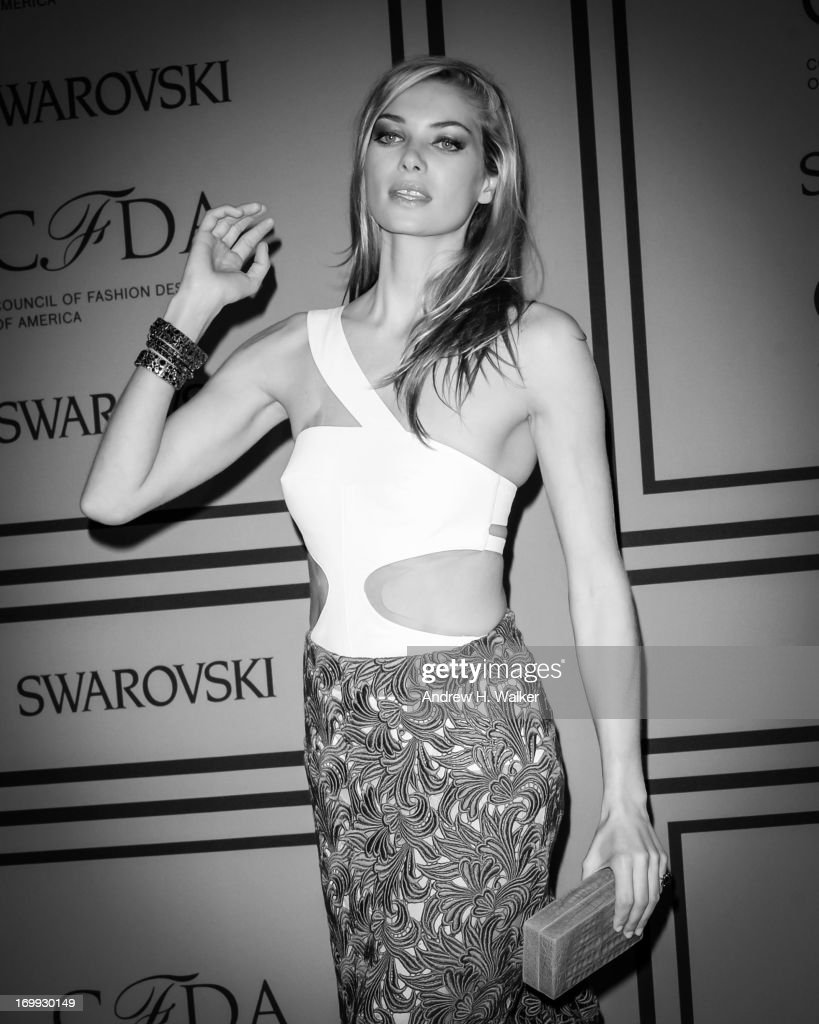 Model <a gi-track='captionPersonalityLinkClicked' href=/galleries/search?phrase=Jessica+Hart&family=editorial&specificpeople=4436555 ng-click='$event.stopPropagation()'>Jessica Hart</a> attends the 2013 CFDA Fashion Awards on June 3, 2013 in New York City.