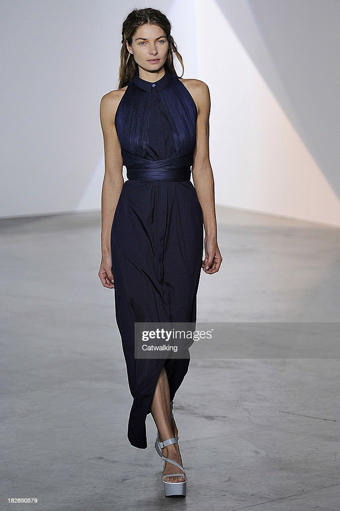 Model Jessica Hart walks the runway at the Vionnet Spring Summer 2014 fashion show during Paris Fashion Week on October 2, 2013 in Paris, France.
