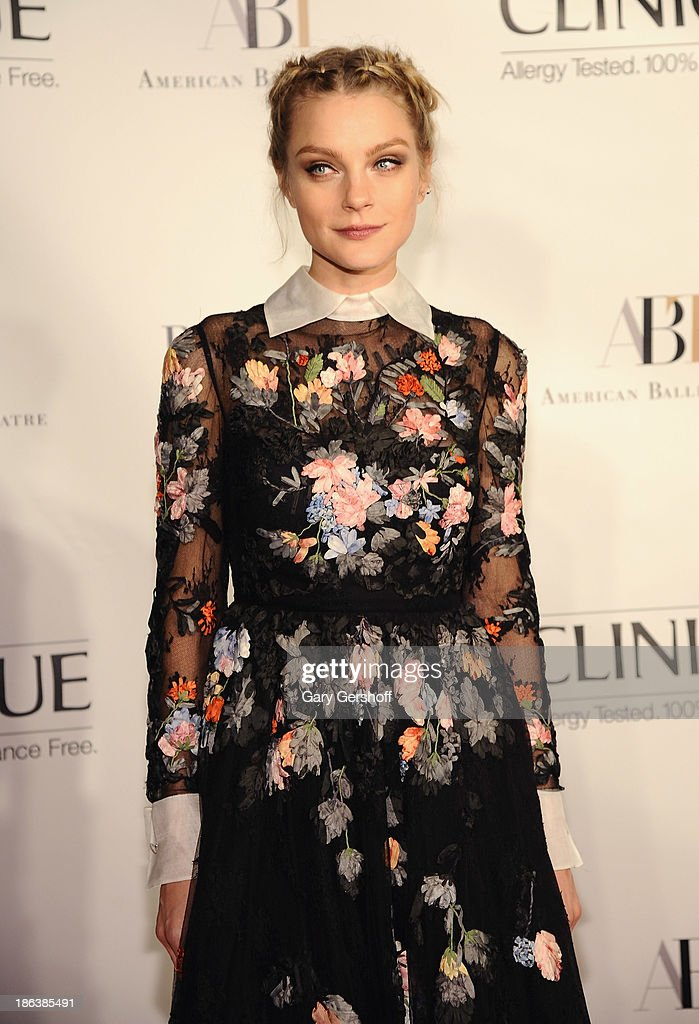 Model <a gi-track='captionPersonalityLinkClicked' href=/galleries/search?phrase=Jessica+Stam&family=editorial&specificpeople=657570 ng-click='$event.stopPropagation()'>Jessica Stam</a> attends American Ballet Theatre 2013 Opening Night Fall Gala at David Koch Theatre at Lincoln Center on October 30, 2013 in New York City.