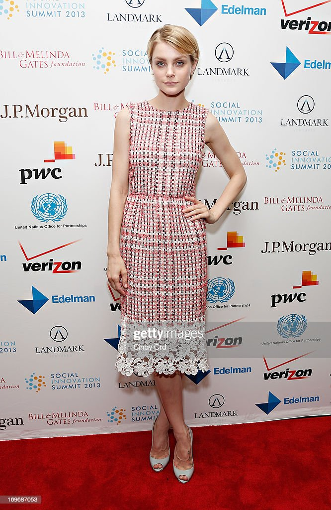 Model <a gi-track='captionPersonalityLinkClicked' href=/galleries/search?phrase=Jessica+Stam&family=editorial&specificpeople=657570 ng-click='$event.stopPropagation()'>Jessica Stam</a> attends the Social Innovation Summit May 2013 - Day Two on May 30, 2013 in New York City.