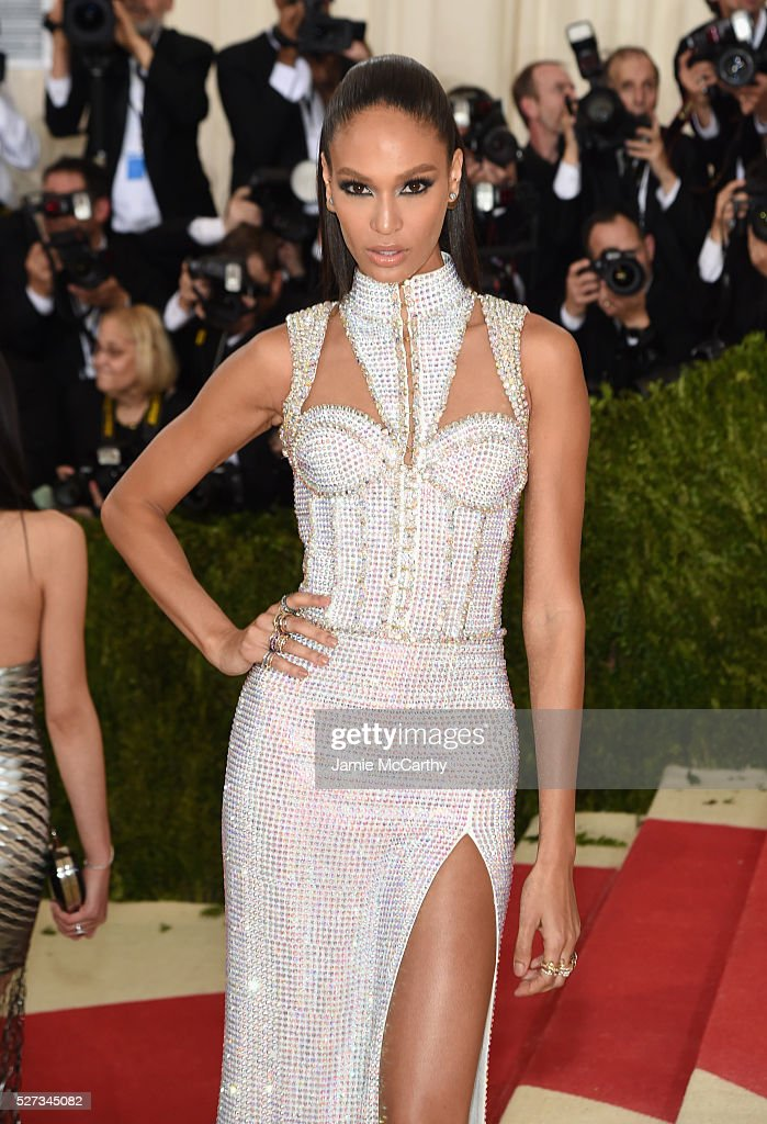 Model Joan Smalls attends the 'Manus x Machina: Fashion In An Age Of Technology' Costume Institute Gala at Metropolitan Museum of Art on May 2, 2016 in New York City.