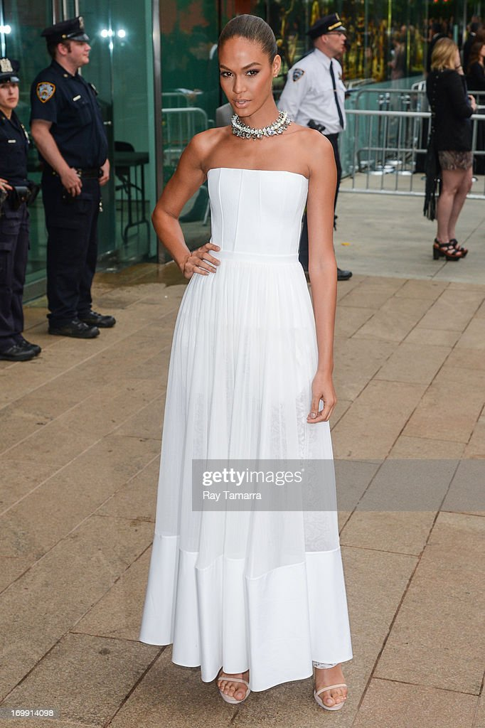 Model <a gi-track='captionPersonalityLinkClicked' href=/galleries/search?phrase=Joan+Smalls&family=editorial&specificpeople=5714628 ng-click='$event.stopPropagation()'>Joan Smalls</a> enters the 2013 CFDA Fashion Awards on June 3, 2013 in New York, United States.