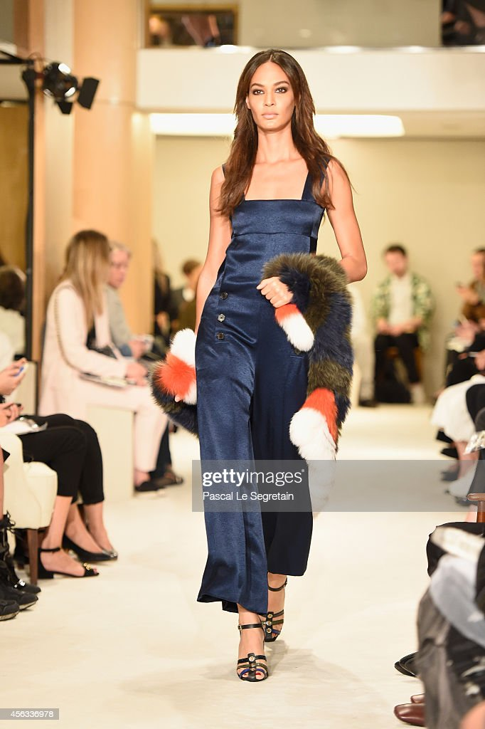 Model Joan Smalls walks the runway during the Sonia Rykiel show as part of the Paris Fashion Week Womenswear Spring/Summer 2015 on September 29, 2014 in Paris, France.