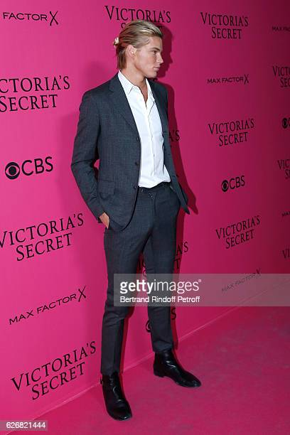 Model Jordan Barrett attends the 2016 Victoria's Secret Fashion Show Held at Grand Palais on November 30 2016 in Paris France