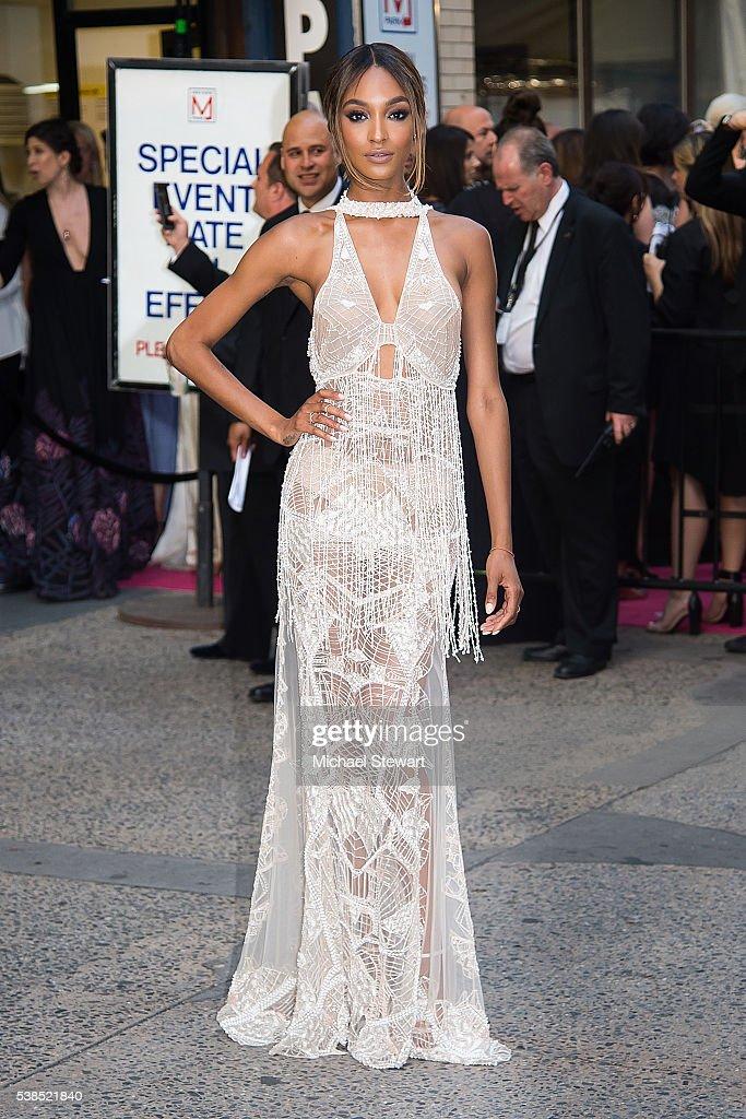 Model Jourdan Dunn attends the 2016 CFDA Fashion Awards at the Hammerstein Ballroom on June 6 2016 in New York City