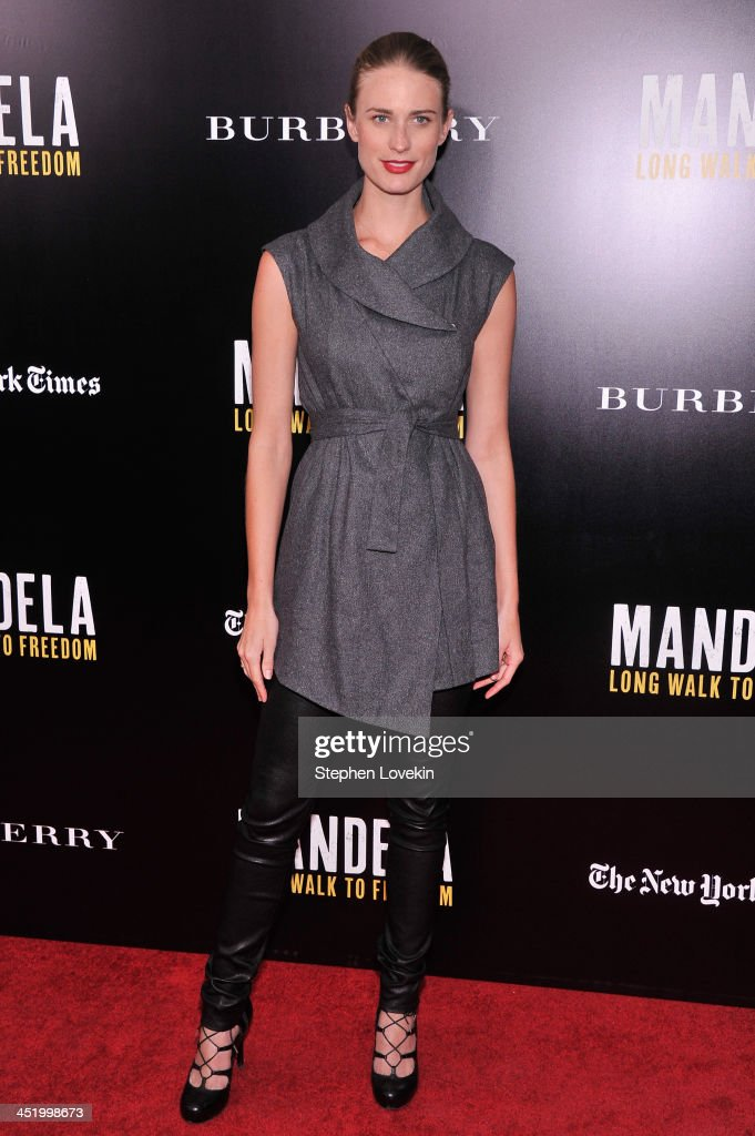 Model <a gi-track='captionPersonalityLinkClicked' href=/galleries/search?phrase=Julie+Henderson&family=editorial&specificpeople=4154524 ng-click='$event.stopPropagation()'>Julie Henderson</a> attends a screening of 'Mandela: Long Walk to Freedom', hosted by U2, Anna Wintour and Bob & Harvey Weinstein, with Burberry at the Ziegfeld Theater on November 25, 2013 in New York City.