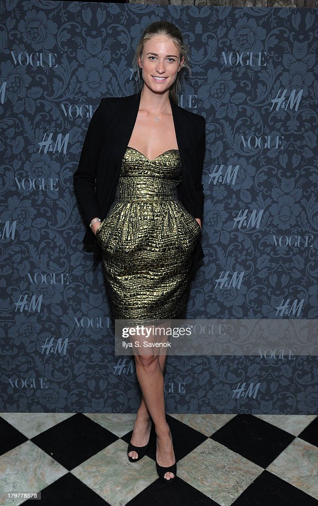 Model <a gi-track='captionPersonalityLinkClicked' href=/galleries/search?phrase=Julie+Henderson&family=editorial&specificpeople=4154524 ng-click='$event.stopPropagation()'>Julie Henderson</a> attends H&M & Vogue Studios Celebrate 'Between The Shows' on September 6, 2013 in New York City.