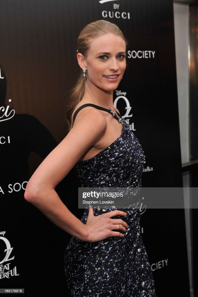 Model Julie Henderson attends the Gucci and The Cinema Society screening of 'Oz the Great and Powerful' at the DGA Theater on March 5, 2013 in New York City.