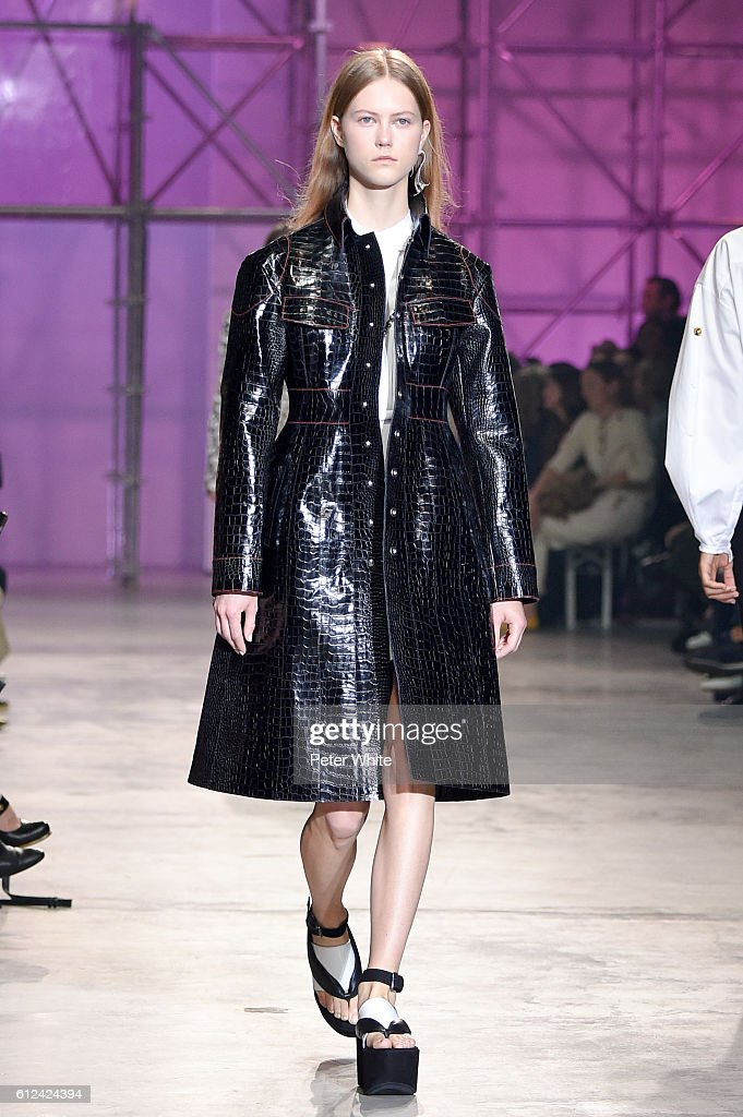 model-julie-hoomans-walks-the-runway-during-the-ellery-show-as-part-picture-id612424394