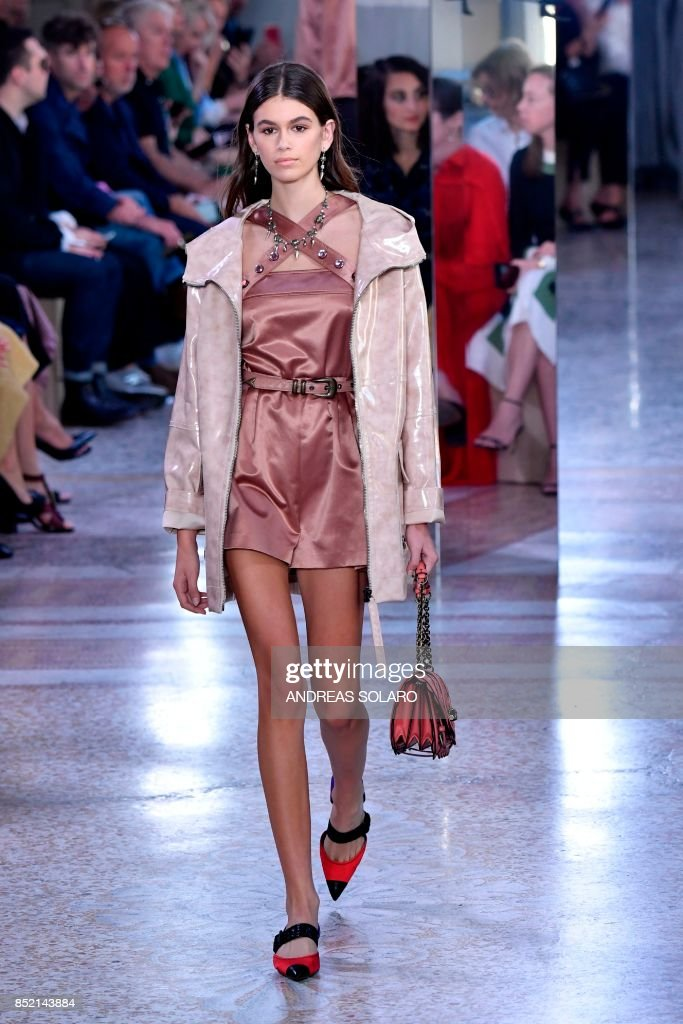 model-kaia-gerber-presents-a-creation-for-fashion-house-bottega-the-picture-id852143884