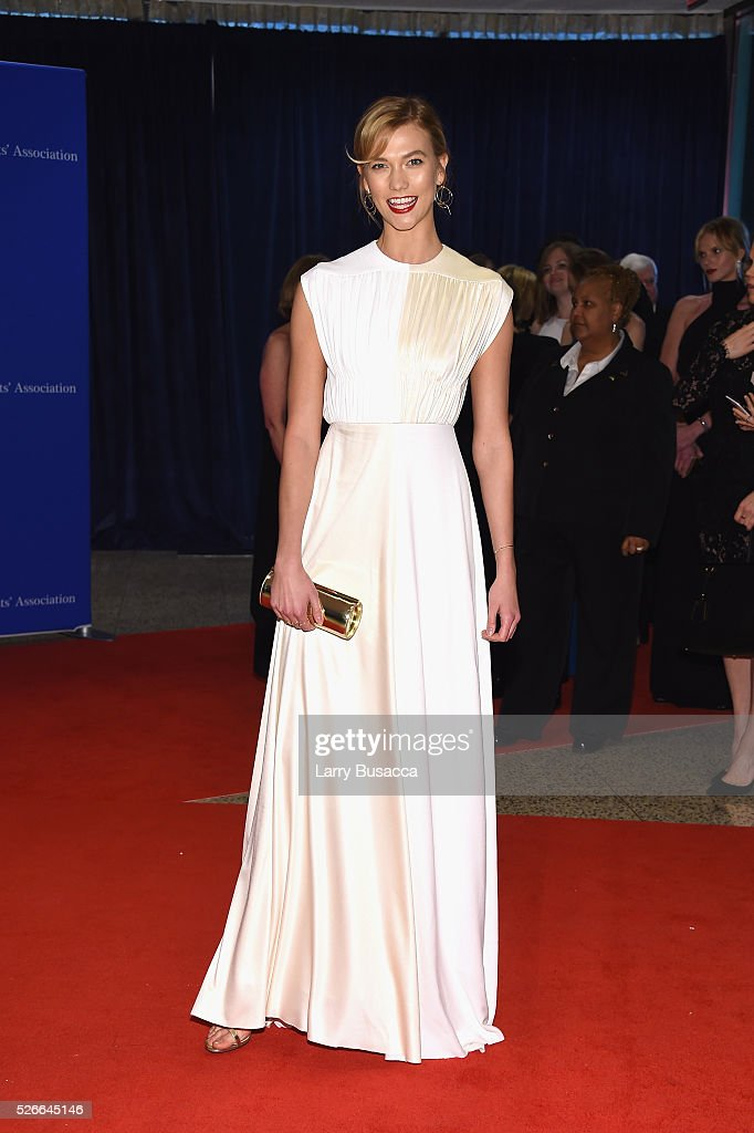 Model Karlie Kloss attends the 102nd White House Correspondents' Association Dinner on April 30, 2016 in Washington, DC.