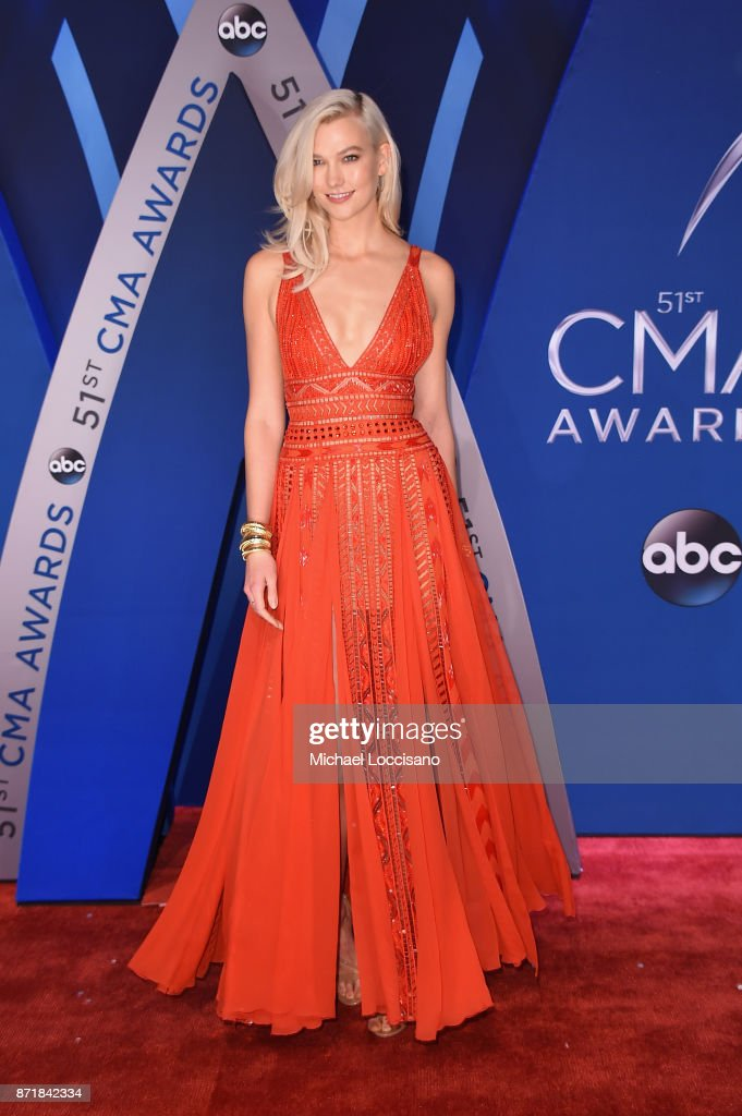 Model Karlie Kloss attends the 51st annual CMA Awards at the Bridgestone Arena on November 8, 2017 in Nashville, Tennessee.