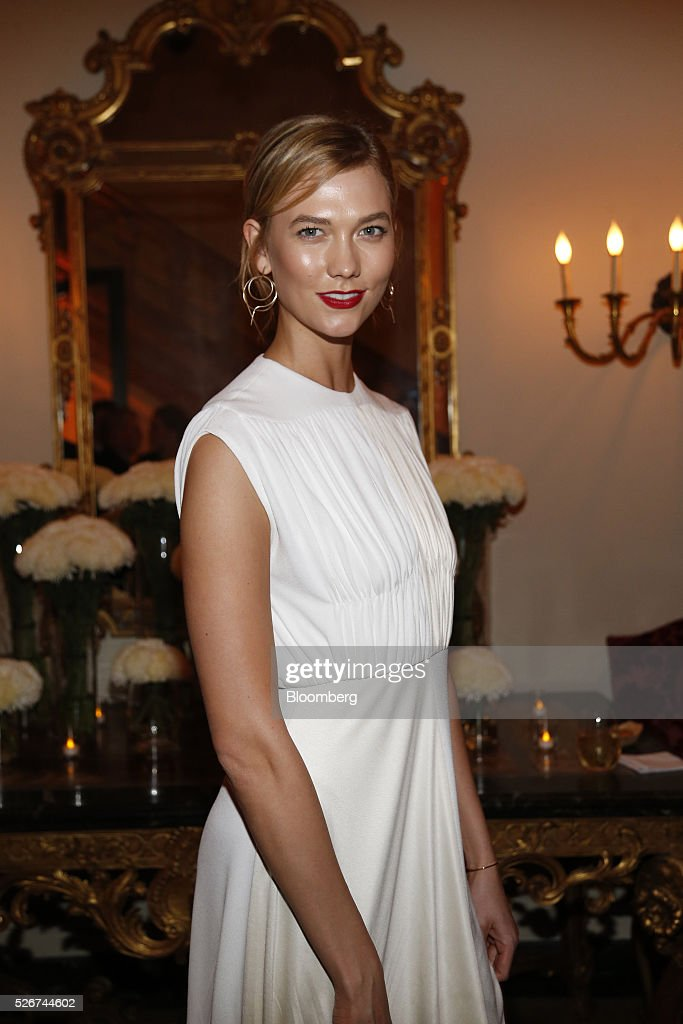 Model Karlie Kloss attends the Bloomberg Vanity Fair White House Correspondents' Association (WHCA) dinner afterparty in Washington, D.C., U.S., on Saturday, April 30, 2016. The 102nd WHCA raises money for scholarships and honors the recipients of the organization's journalism awards. Photographer: Andrew Harrer/Bloomberg via Getty Images