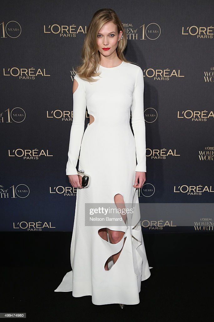 Model Karlie Kloss attends the L'Oreal Paris Women of Worth 2015 Celebration - Arrivals at The Pierre Hotel on December 1, 2015 in New York City.