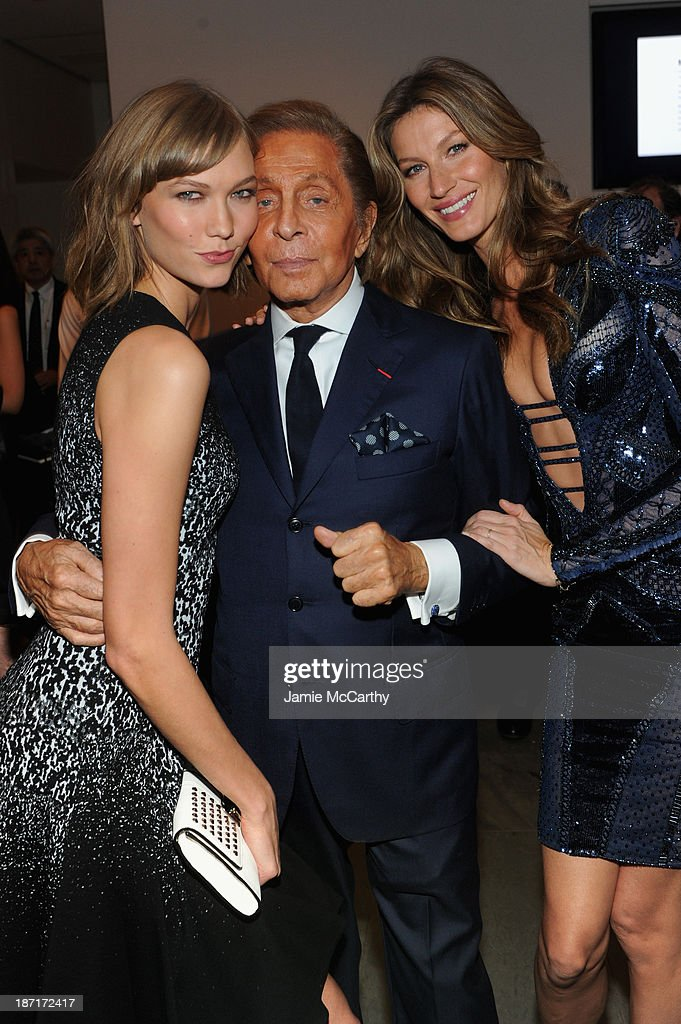 Model <a gi-track='captionPersonalityLinkClicked' href=/galleries/search?phrase=Karlie+Kloss&family=editorial&specificpeople=5555876 ng-click='$event.stopPropagation()'>Karlie Kloss</a>, Designer Valentino and model Gisele Bündchen attend the WSJ. Magazine's 'Innovator Of The Year' Awards 2013 at The Museum of Modern Art on November 6, 2013 in New York City.