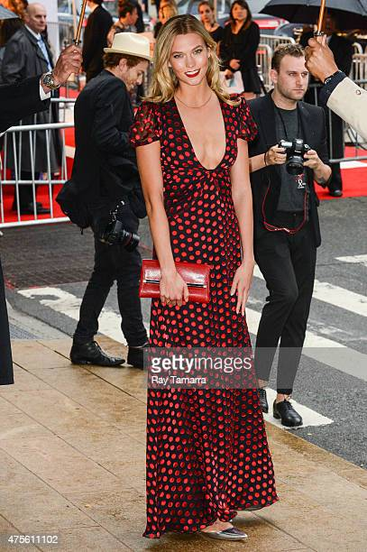 Model Karlie Kloss enters the 2015 CFDA Fashion Awards at Alice Tully Hall at Lincoln Center on June 1 2015 in New York City