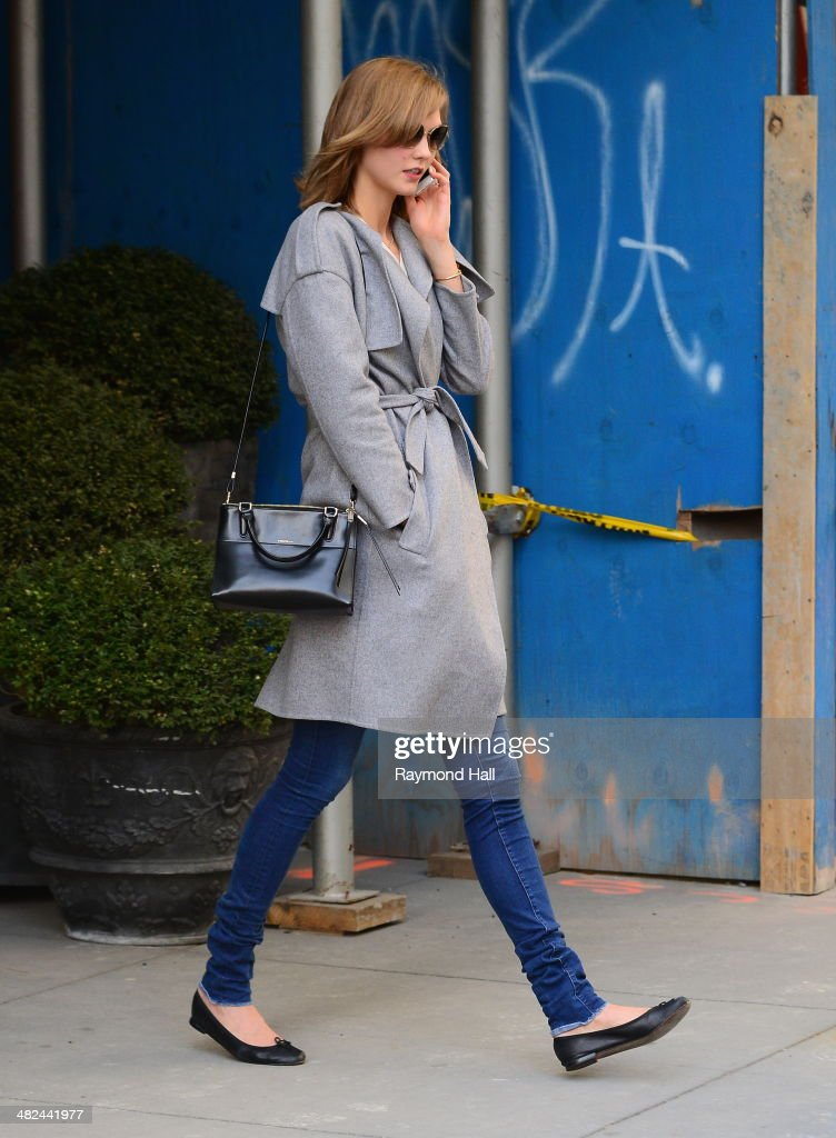 Model <a gi-track='captionPersonalityLinkClicked' href=/galleries/search?phrase=Karlie+Kloss&family=editorial&specificpeople=5555876 ng-click='$event.stopPropagation()'>Karlie Kloss</a> is seen coming out of Tracy Anderson 'GYM' in tribeca on April 3, 2014 in New York City.