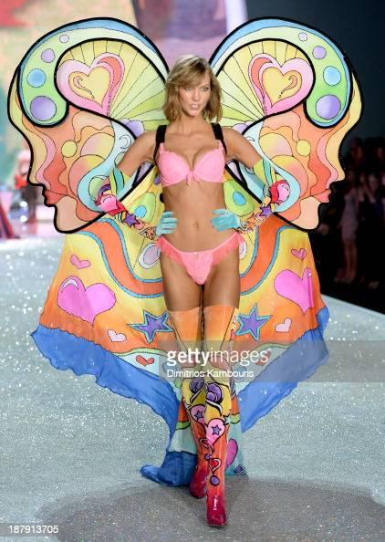 Model Karlie Kloss walks the runway at the 2013 Victoria's Secret Fashion Show at Lexington Avenue Armory on November 13 2013 in New York City