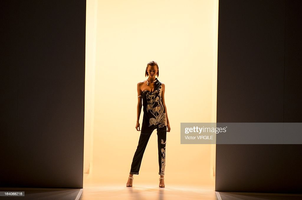 Model Karlie Kloss walks the runway at the Animale show during Sao Paulo Fashion Week Spring Summer 2013/2014 on March 18, 2013 in Sao Paulo, Brazil.
