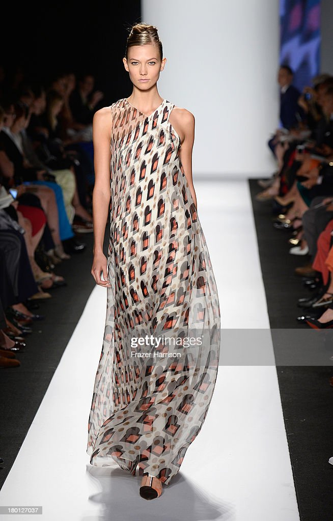 Model Karlie Kloss walks the runway at the Carolina Herrera fashion show during Mercedes-Benz Fashion Week Spring 2014 at The Theatre at Lincoln Center on September 9, 2013 in New York City.