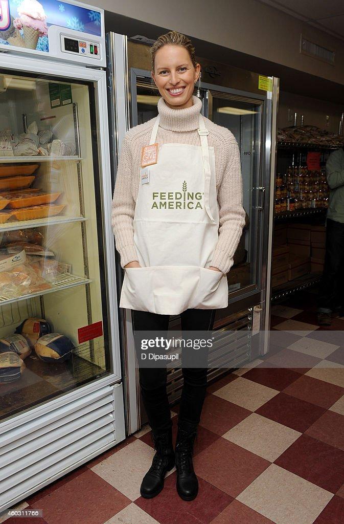 Feeding America Hosts BiCoastal Celebrity Volunteer Event Photos