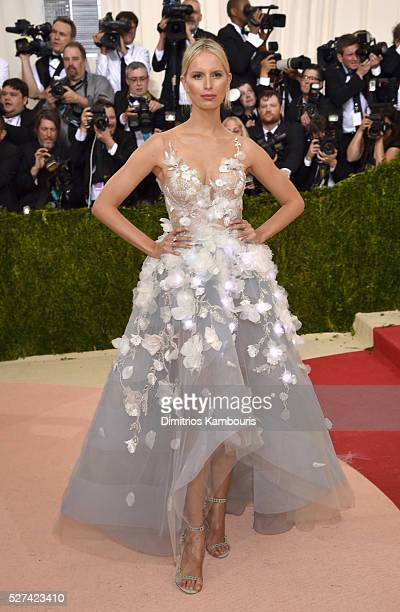Model Karolina Kurkova attends the 'Manus x Machina Fashion In An Age Of Technology' Costume Institute Gala at Metropolitan Museum of Art on May 2...