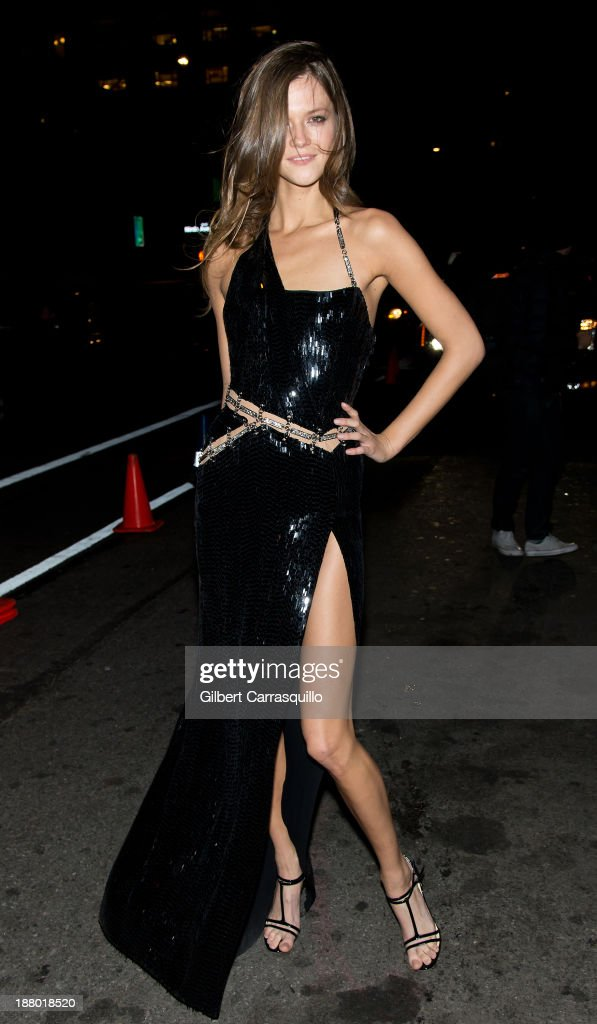 Model Kasia Struss arrives at the 2013 Victoria's Secret Fashion Show at TAO Downtownon November 13, 2013 in New York City.