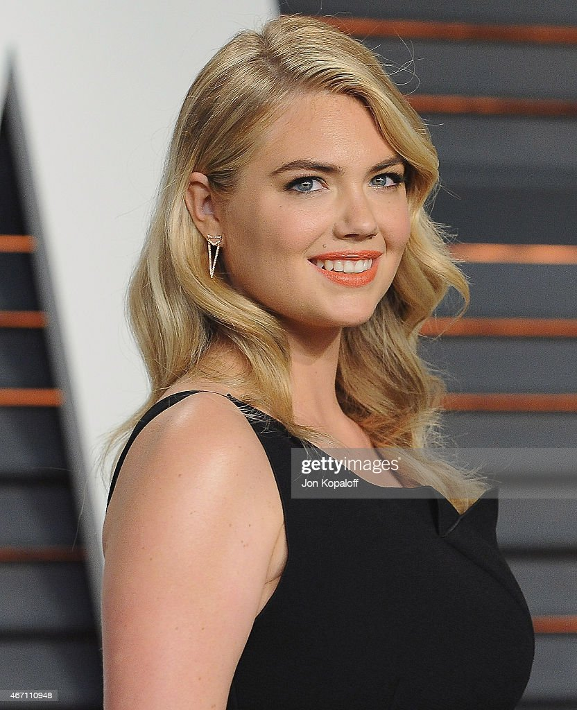 Model Kate Upton arrives at the 2015 Vanity Fair Oscar Party Hosted By Graydon Carter at Wallis Annenberg Center for the Performing Arts on February 22, 2015 in Beverly Hills, California.