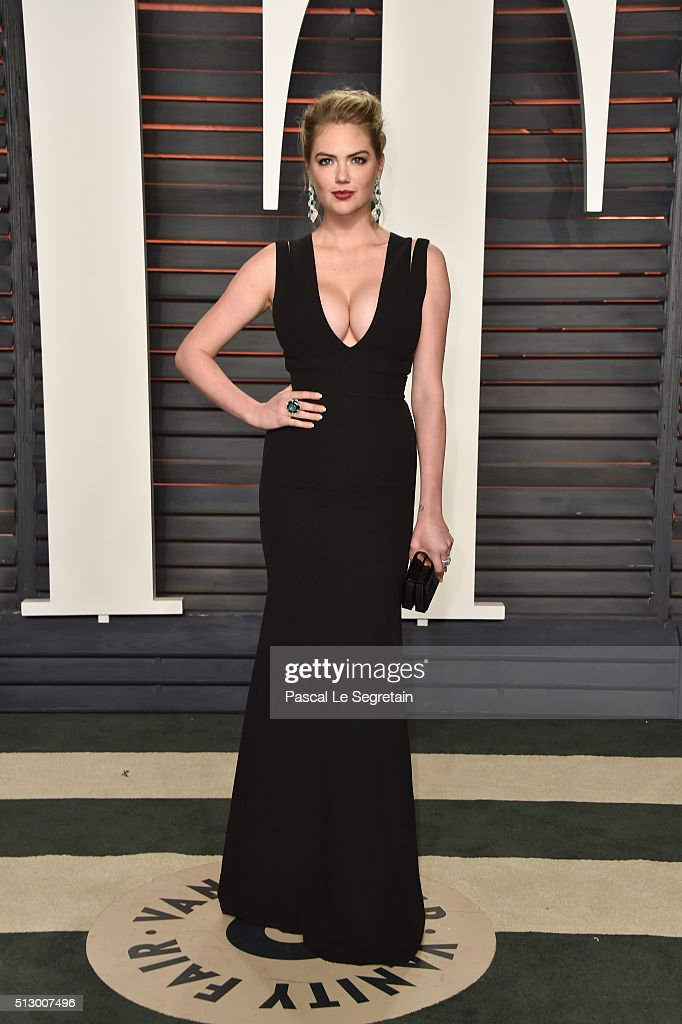 Model Kate Upton attends the 2016 Vanity Fair Oscar Party Hosted By Graydon Carter at the Wallis Annenberg Center for the Performing Arts on February 28, 2016 in Beverly Hills, California.