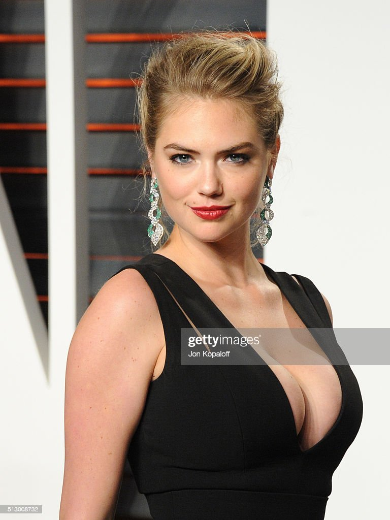 Model <a gi-track='captionPersonalityLinkClicked' href=/galleries/search?phrase=Kate+Upton&family=editorial&specificpeople=7488546 ng-click='$event.stopPropagation()'>Kate Upton</a> attends the 2016 Vanity Fair Oscar Party hosted By Graydon Carter at Wallis Annenberg Center for the Performing Arts on February 28, 2016 in Beverly Hills, California.